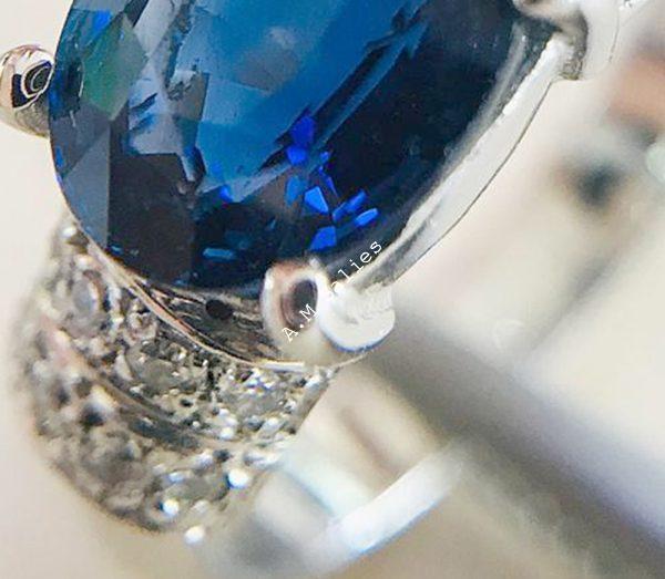 Salies-Jewellery-Royal Blue Sapphire Ring