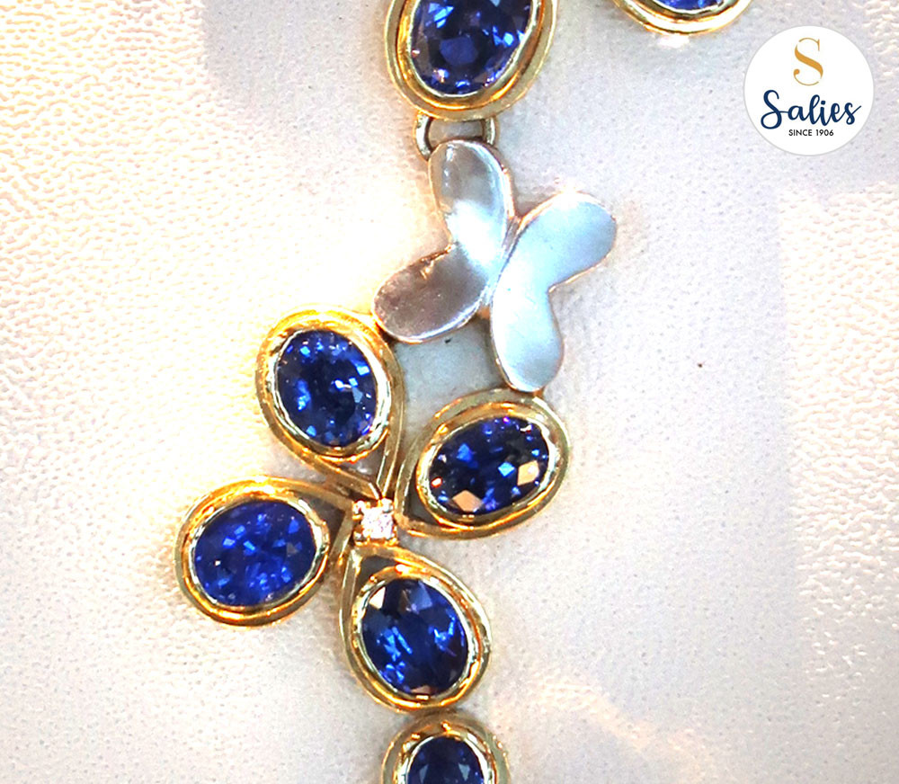 Traditional sapphire necklaces with a difference for special occasion