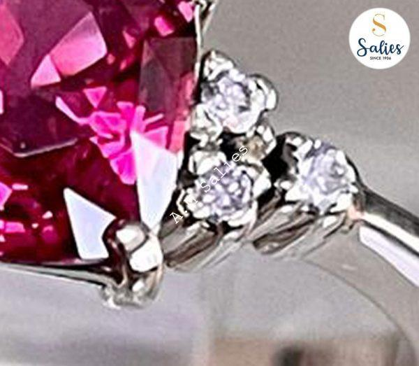 14k White Gold Ring with a Ruby and 6 diamonds